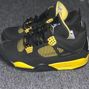 Jordan Retro Thunder 4's